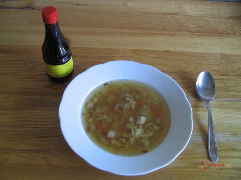 Kapustová polévka na česneku