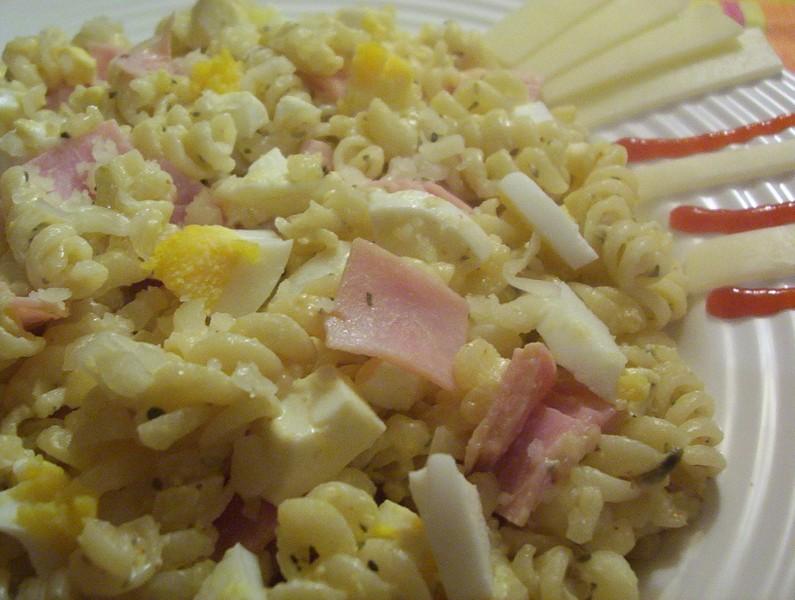 Chilli těstoviny s vejcem