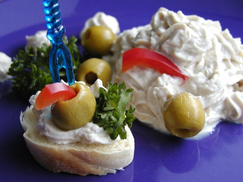 Sardelový pěnový sýr