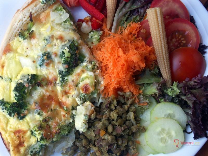 Brokolicový koláč se sýrem