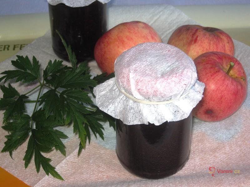 Jablečno-ostružinová marmeláda