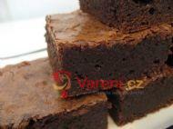 Čokoládovo-oříškové brownies