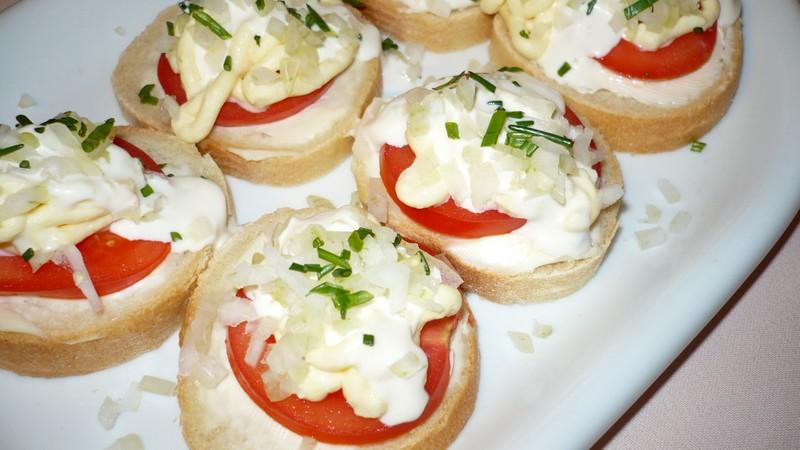 Domácí rajčatové chlebíčky