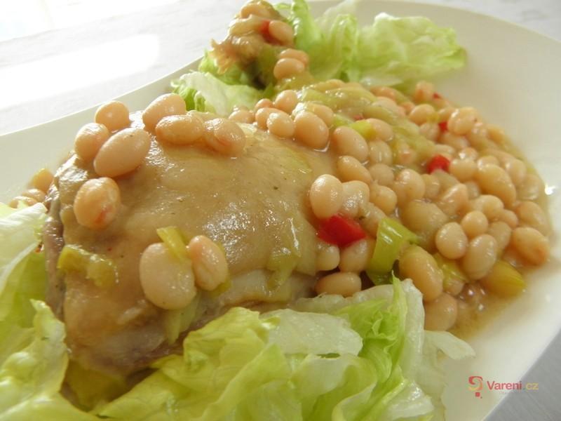 Kuřecí stehna s bílou fazolí