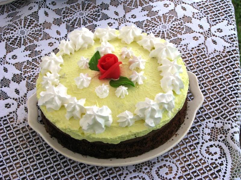 Oříškový dort s čokoládou