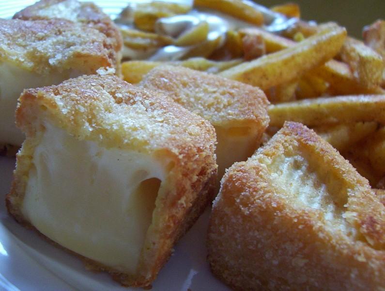 Pálivý smažený sýr