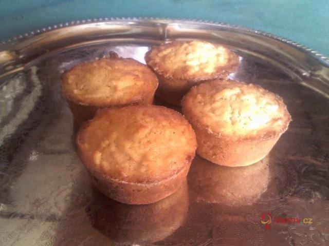 Jablečné muffiny se špetkou skořice