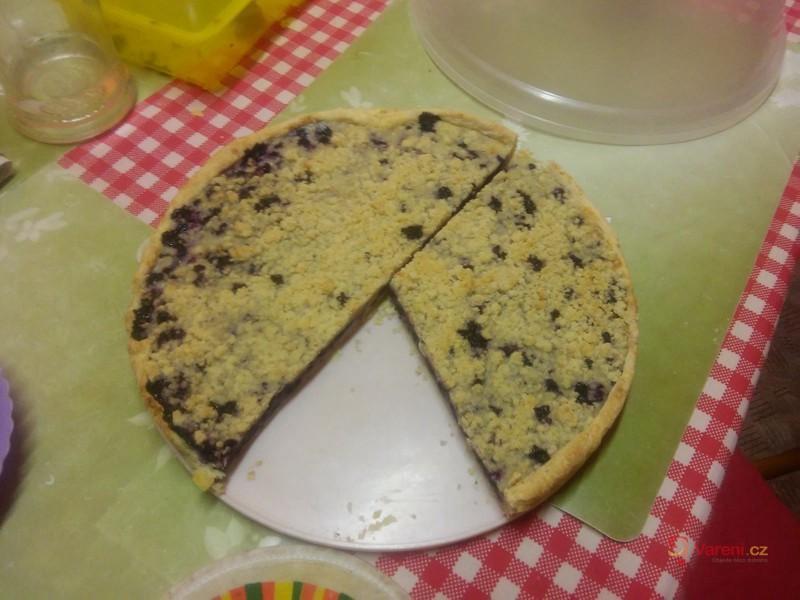 Výborný borůvkový koláč s drobenkou