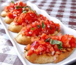 Bruschetta s rajčaty a krémovým sýrem