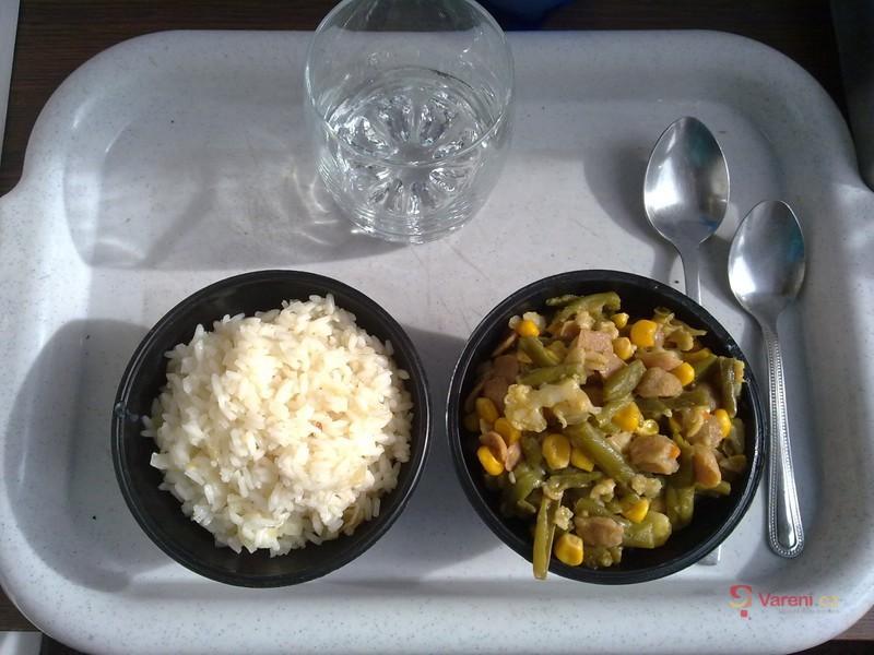 Kuku fazolky s květákem a sojovými kousky