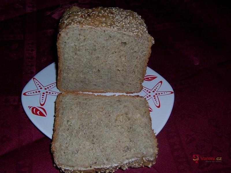 Tmavý kmínový chléb