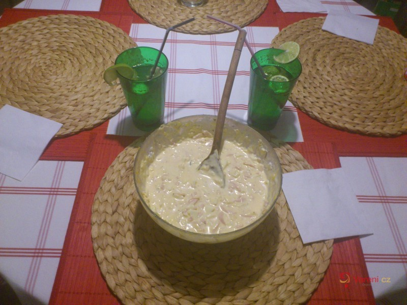 Hermelínový salát s vejci