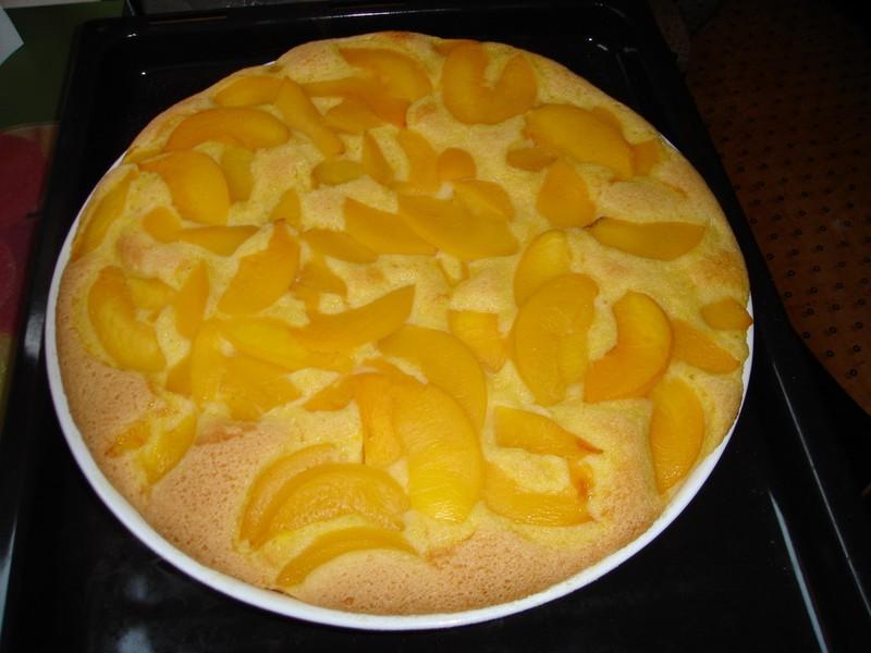 Piškotová ovocná bublanina