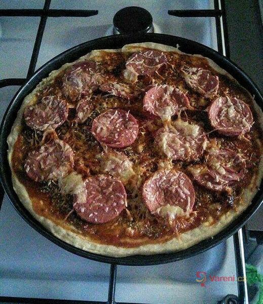 Pizza z nejlepšího nekynutého těsta