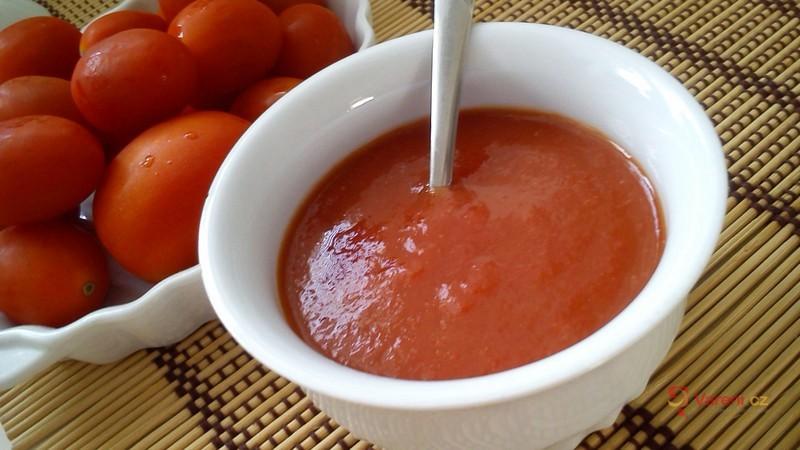 Jednoduchý rajčatový protlak