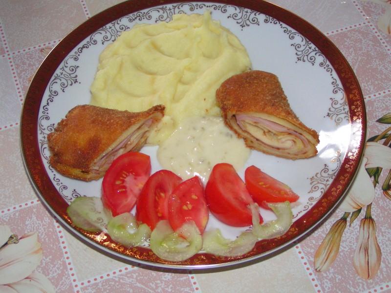 Palačinky plněné šunkou a sýrem