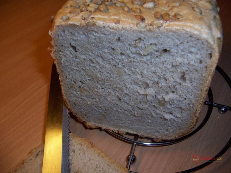 Slunečnicový chléb polotmavý