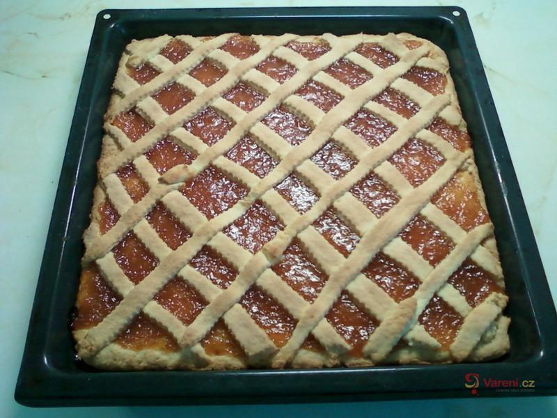 Hrnkový mřížkový koláč