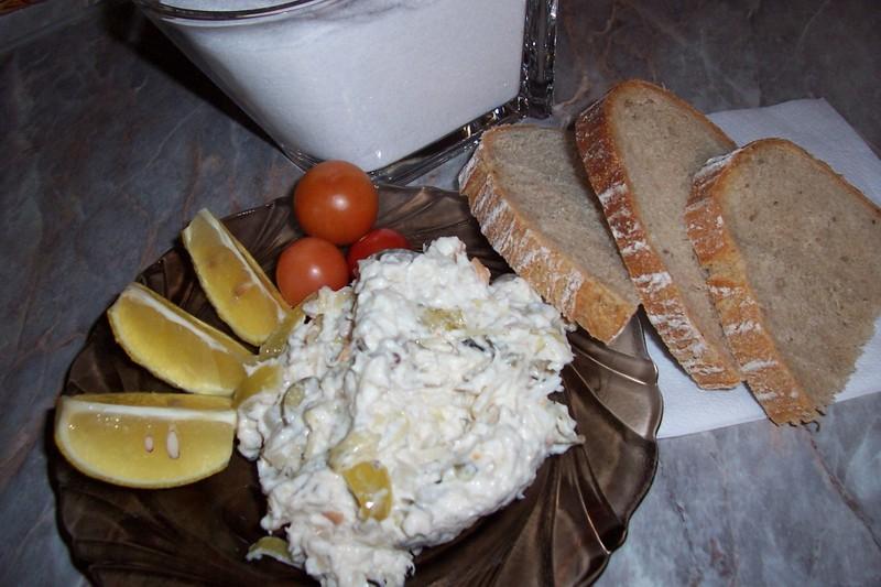 Salát z čerstvé ryby