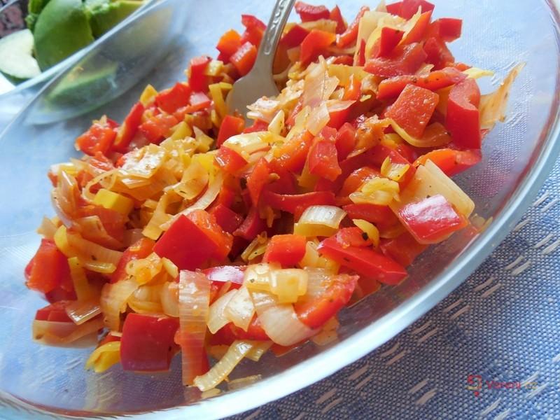 Paprikový salát s pórkem