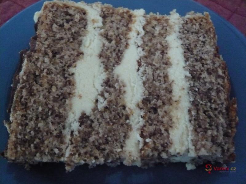Oříškový dort