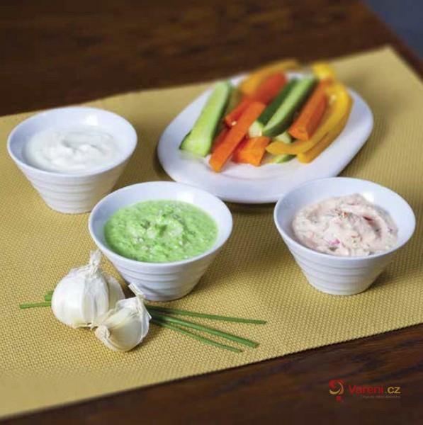 Trio dipů k zelenině
