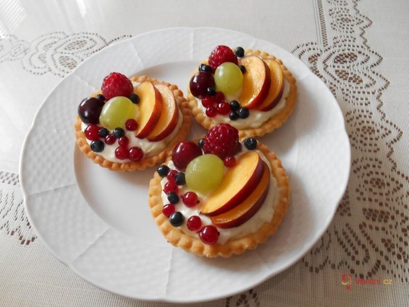 Tartaletky plné ovoce