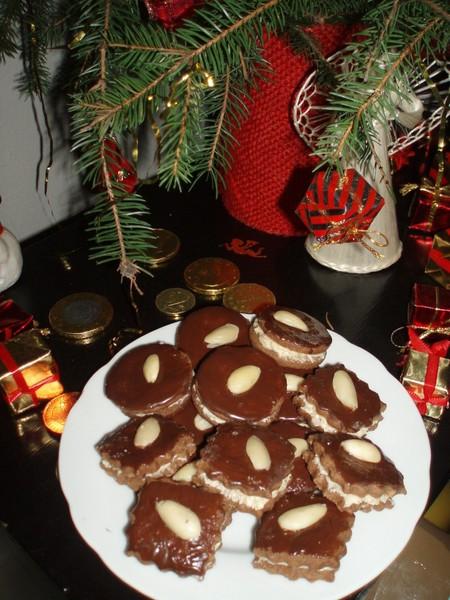 Kakaové dortíčky s ořechovým krémem