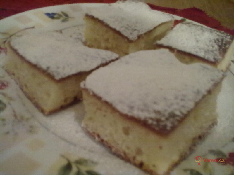 Rychlý koláč s vanilkovým pudinkem