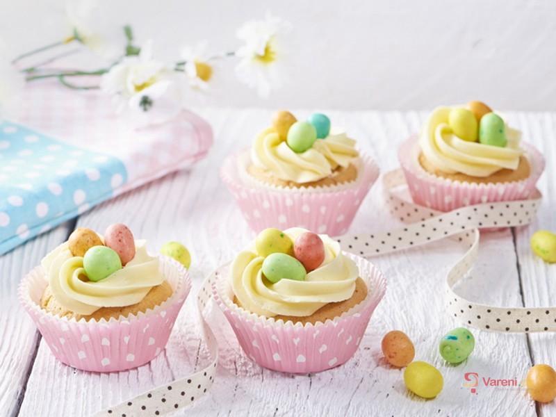 Cupcakes s velikonočními vajíčky
