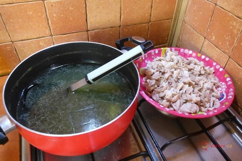 Rizoto s vařeným kuřecím masem