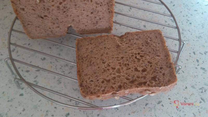 Kváskový žitno-pohankový chléb