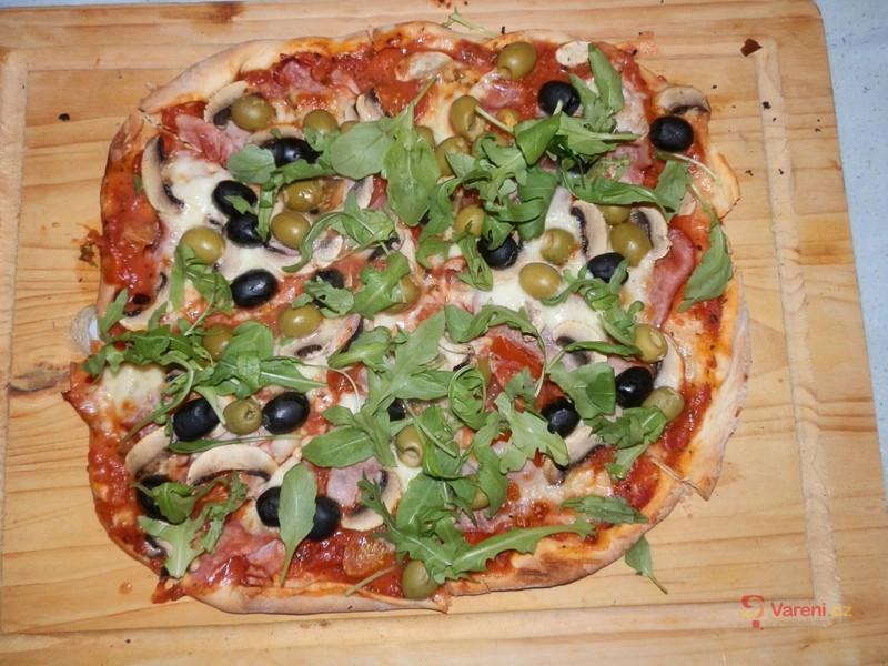 Výtečná pizza s domácím těstem