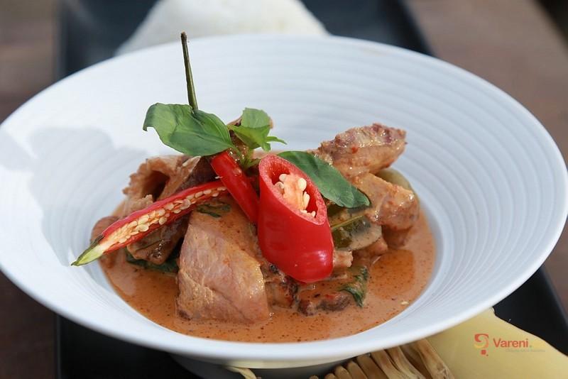 Červené curry s kachnou