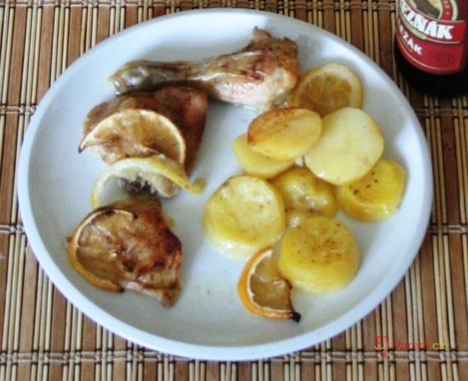 Kuřecí stehno na citronech