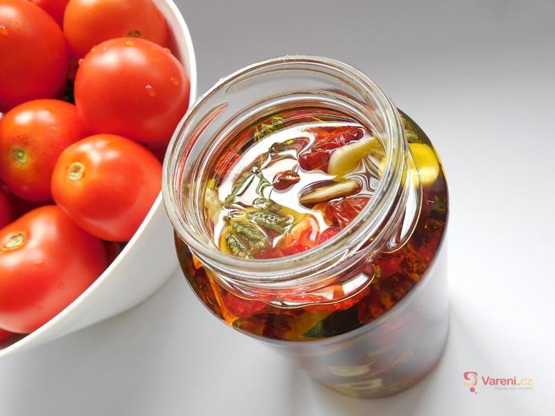 Sušená rajčata nakládaná v oleji