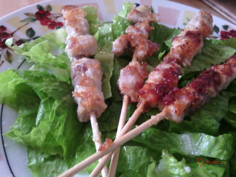 Snadný pečený kuřecí špíz se slaninou