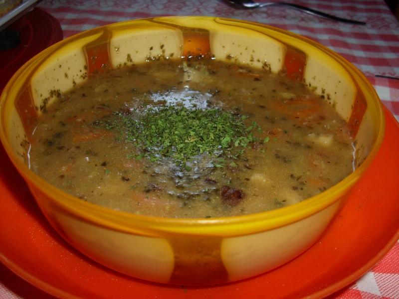 Hustá bramborová polévka s vejci