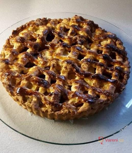 Vláčný jablkový koláč
