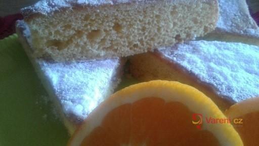 Pomerančový moučník se skořicí