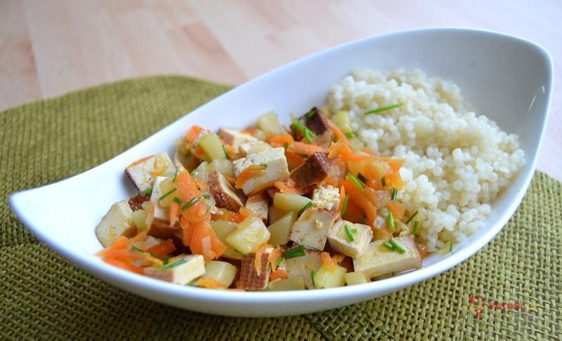 Tofu ala čína s cuketou a mrkví