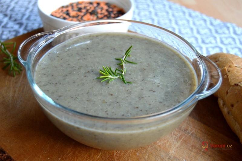Krémová polévka z červené a černé čočky