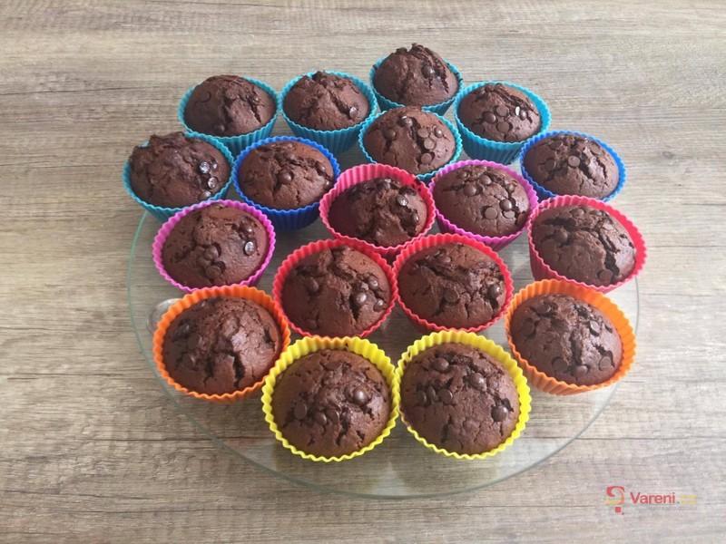 Poctivé čokoládové muffiny s pudinkem