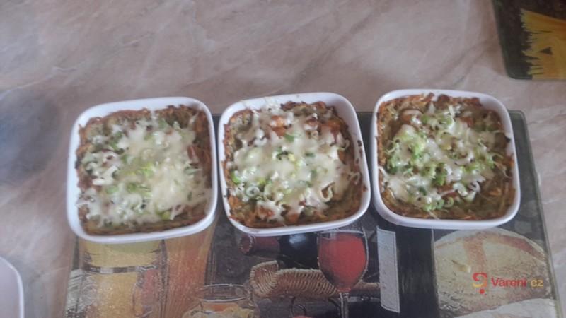 Zapečené kuřecí maso v bramborákové směsi