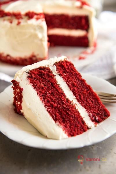 Red Velvet cake se smetanovým krémem