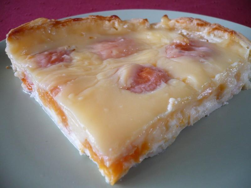 Meruňkový koláč s pudinkem