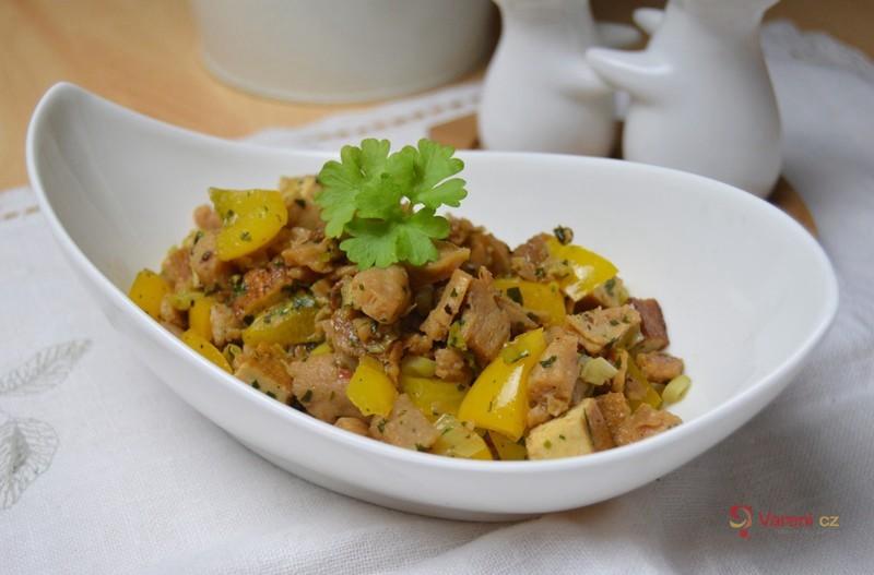 Sójové nudličky se zeleninou a tofu