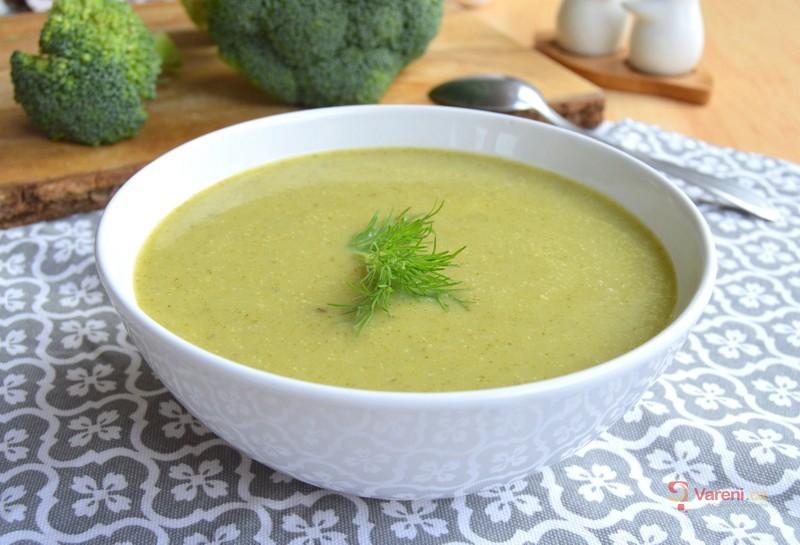Brokolicová polévka s koprem