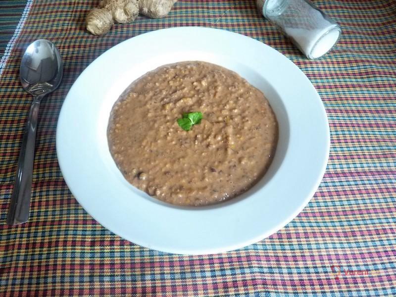 Fazolová polévka se zázvorem a kokosovým mlékem
