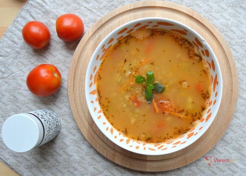 Rajčatovo-čočková polévka